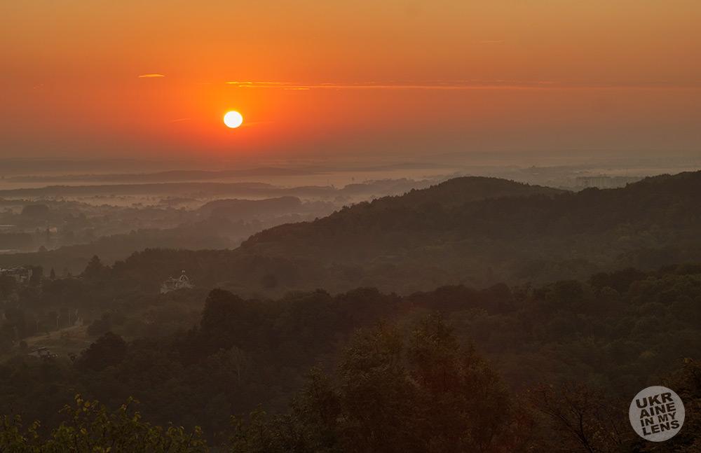 Рассвет на Замковой горе во Львове