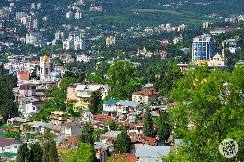 Вид на Ялту с Поликуровского холма