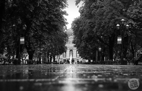 Черно-белые фотографии Львова. Дорога к Оперному театру