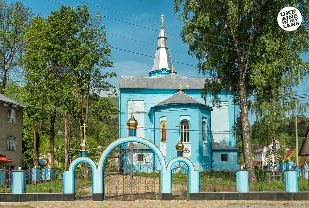 Успенская церковь села Синевир. Общий вид