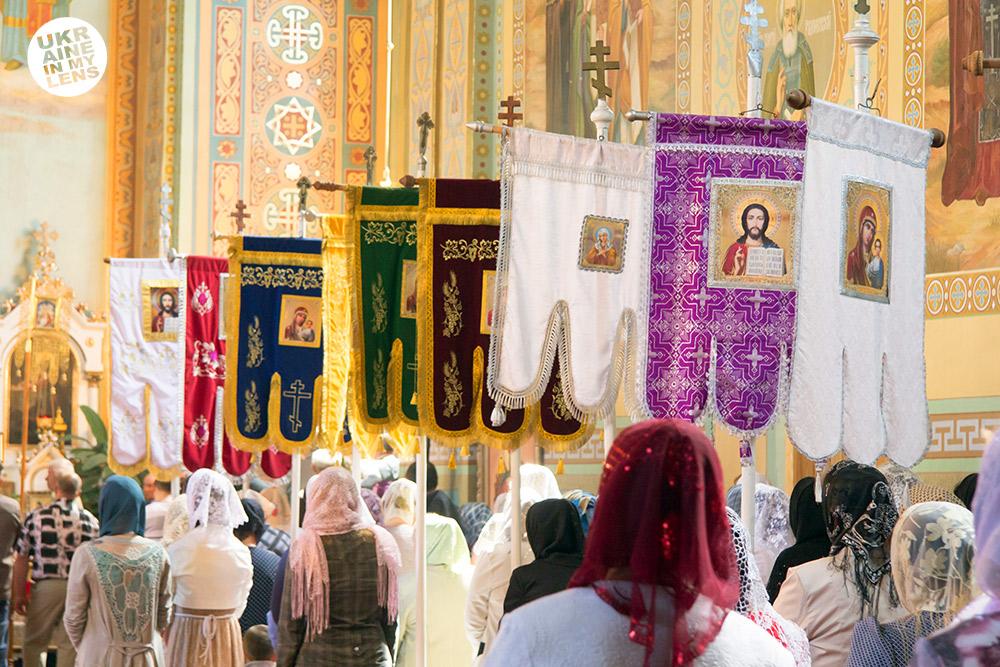 Успенская церковь села Синевир. Хоругвы