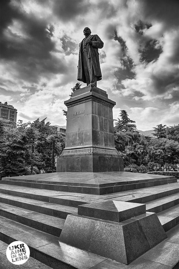 Памятник Ленину в Ялте